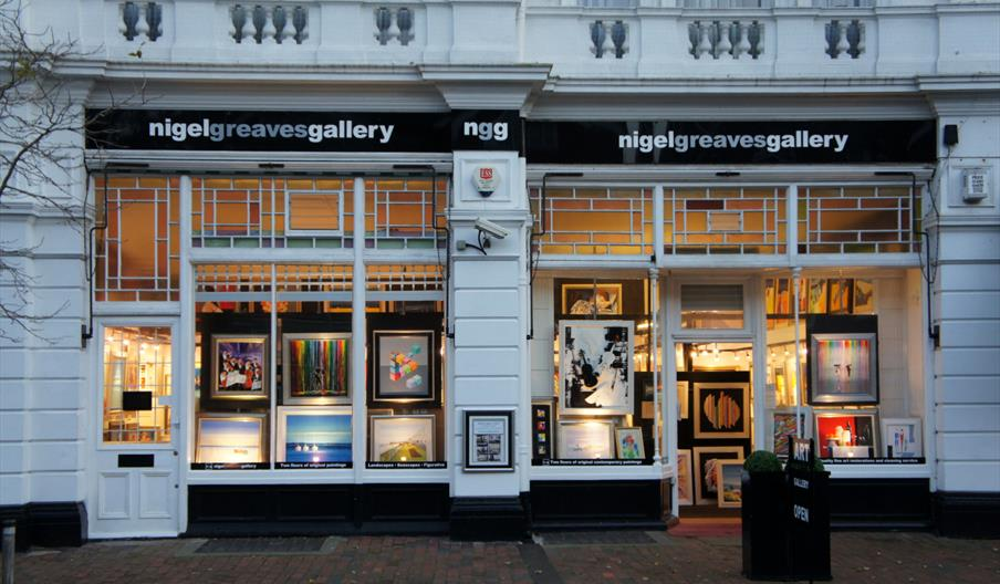 Nigel Greaves Gallery